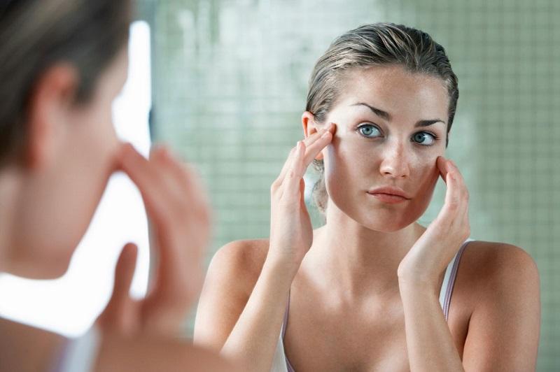 Узнай, какие ингредиенты нужно смешивать для маски от мимических морщин. 4 суперрецепта!